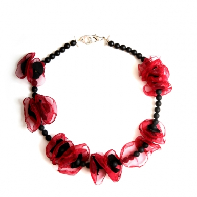 la-b-erythrocytes-necklace-2